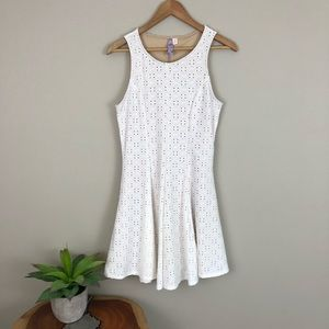 [Francesca's Alya] White Eyelet Dress Lined Small